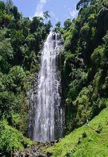 materuni water falls tanzania